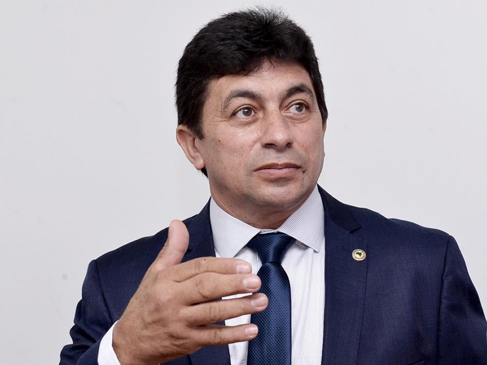 """Imagem de """"Hoje não temos indústria em Goiás, porque não temos energia"""", diz Chico KGL sobre Enel"""