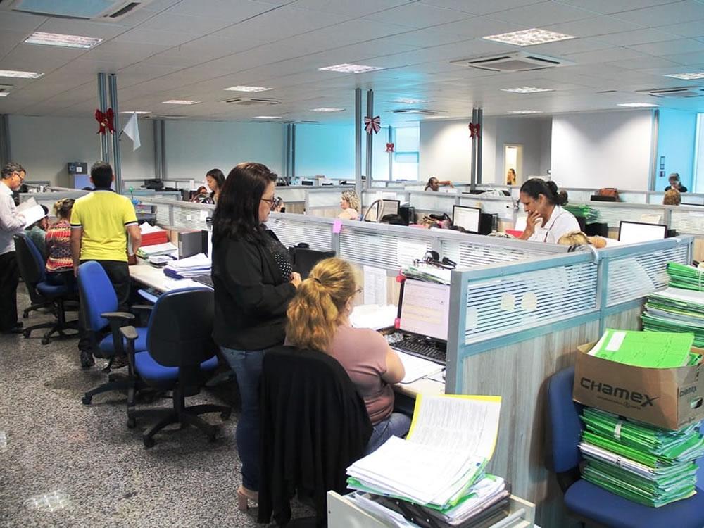 Imagem de Caiado lança programa que mede produtividade do servidor público de Goiás