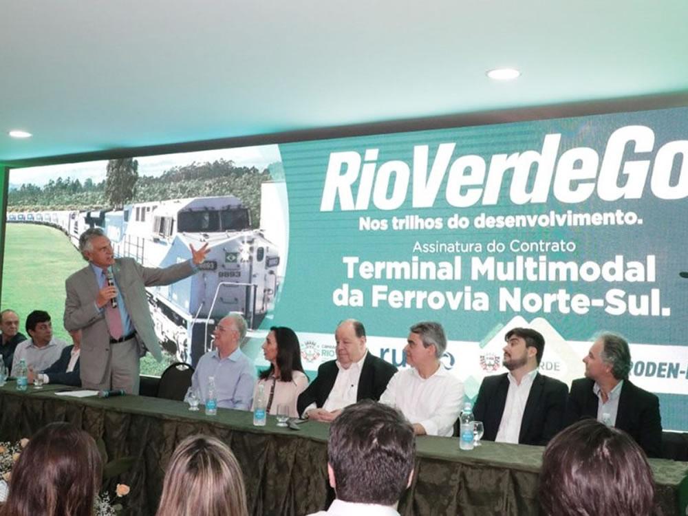 Imagem de Em dia histórico, Rumo assina contrato para construção do Pátio Multimodal em Rio Verde