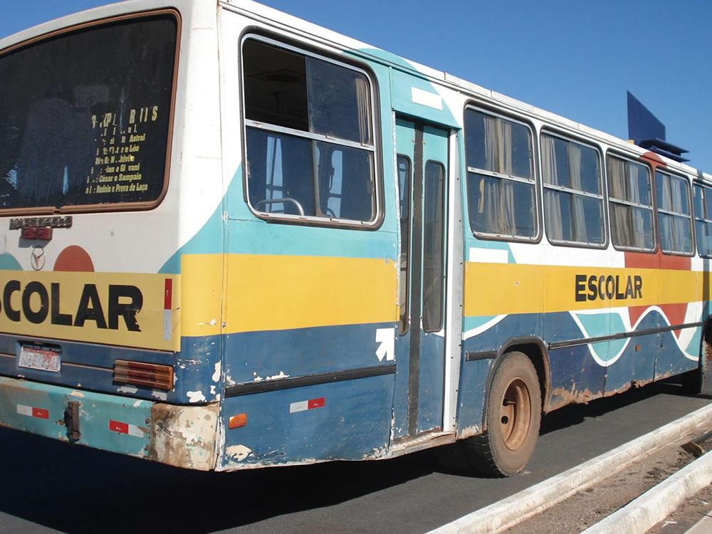 Imagem de Karlos Cabral quer disciplinar o prazo de vida útil no transporte escolar