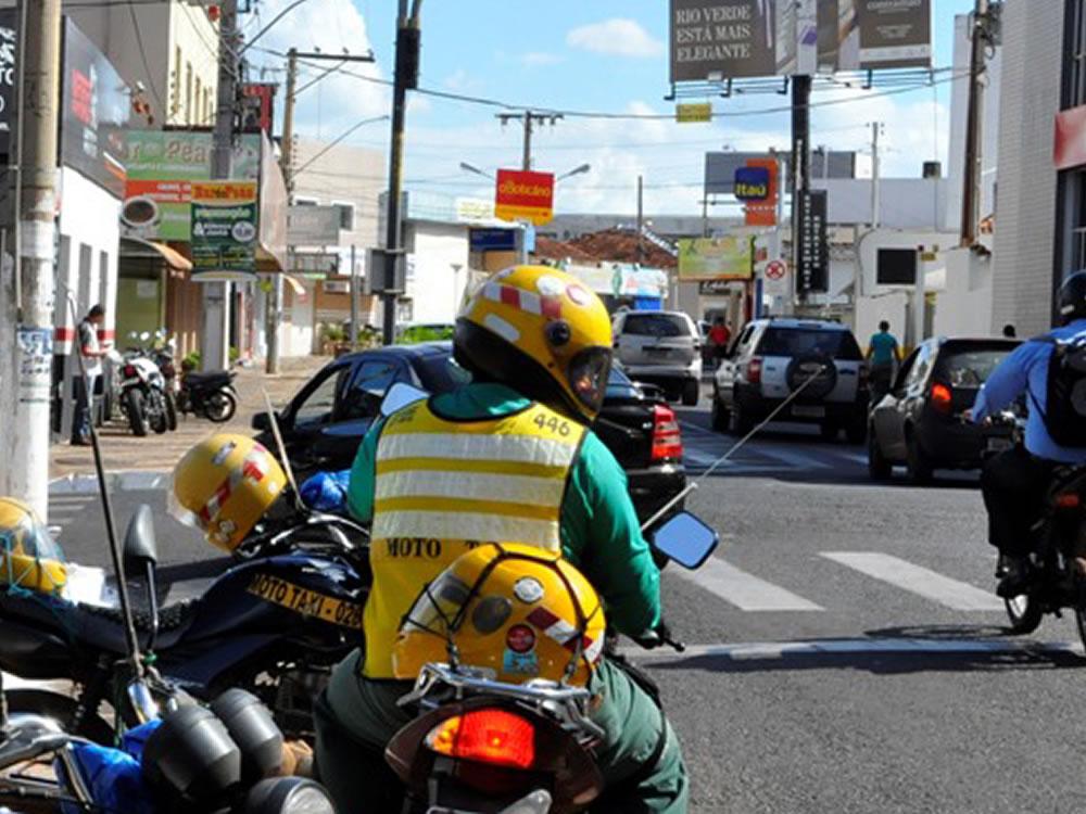 Imagem de Andar de moto-táxi vai ficar mais caro