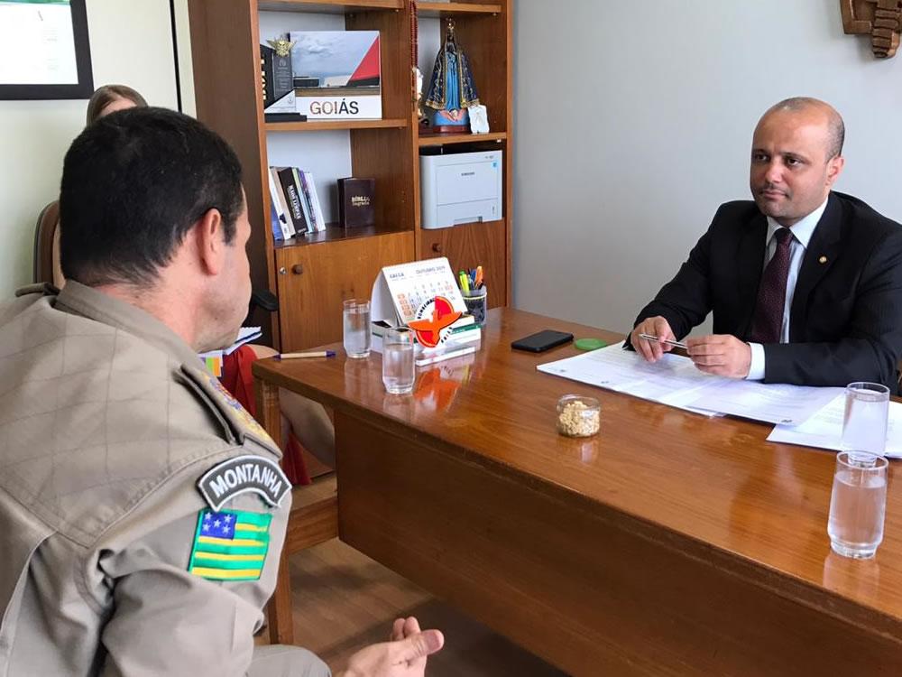 Imagem de Deputado federal Vitor Hugo destina mais de R$ 2 milhões para o Corpo de Bombeiros de Goiás