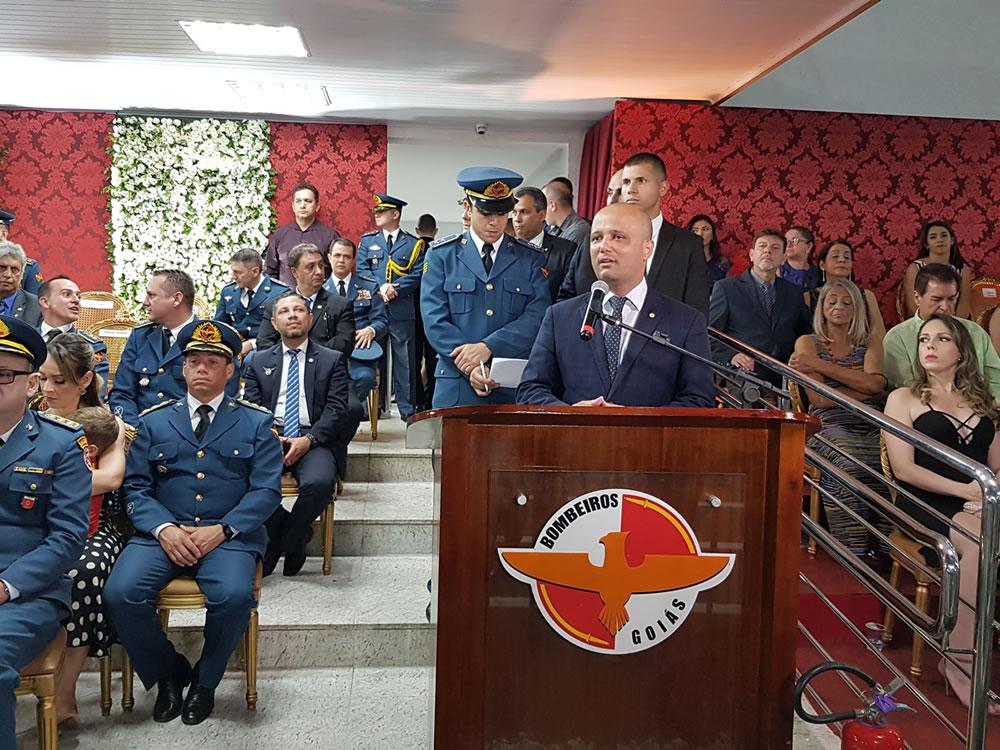 """Imagem de """"Encontraremos uma solução para a proteção social dos militares"""", afirma Major Vitor Hugo em formatura do Corpo de Bombeiros"""