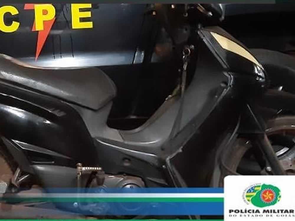 Imagem de Menor preso com moto roubada em Rio Verde
