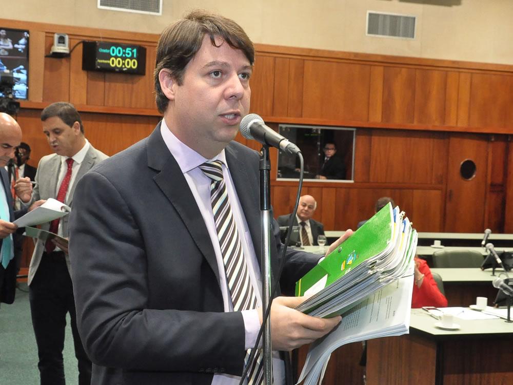 Imagem de Emenda de Karlos Cabral na reforma administrativa fortalece pautas sociais
