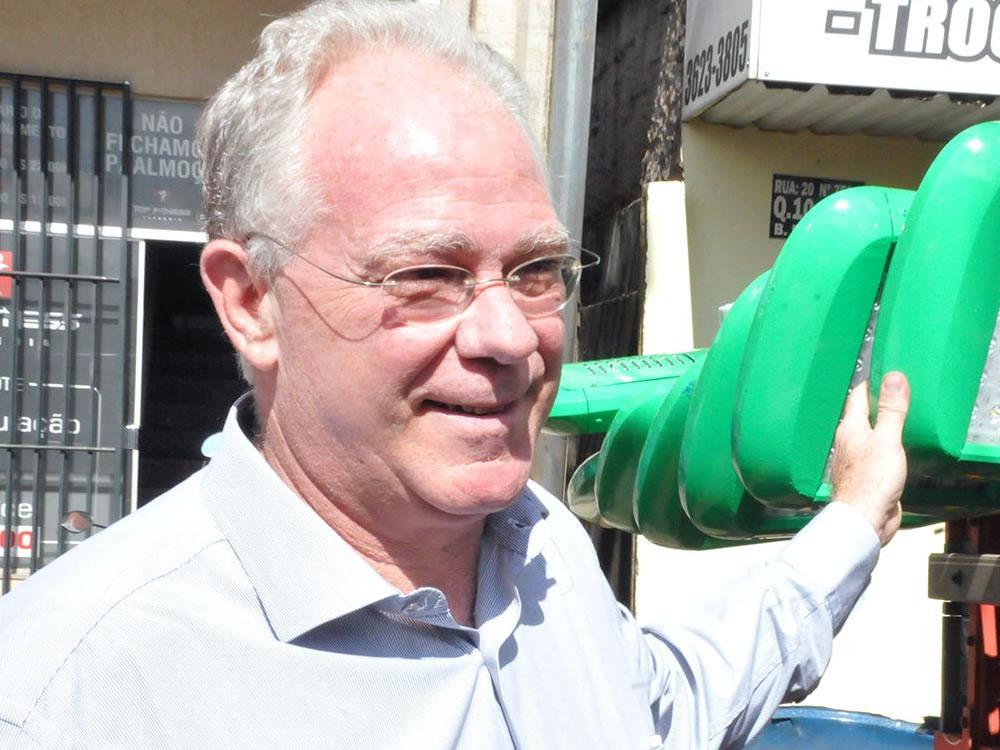 Imagem de Sem saber que está sendo filmado, prefeito de Rio Verde chama vereador de 'cara de pau'
