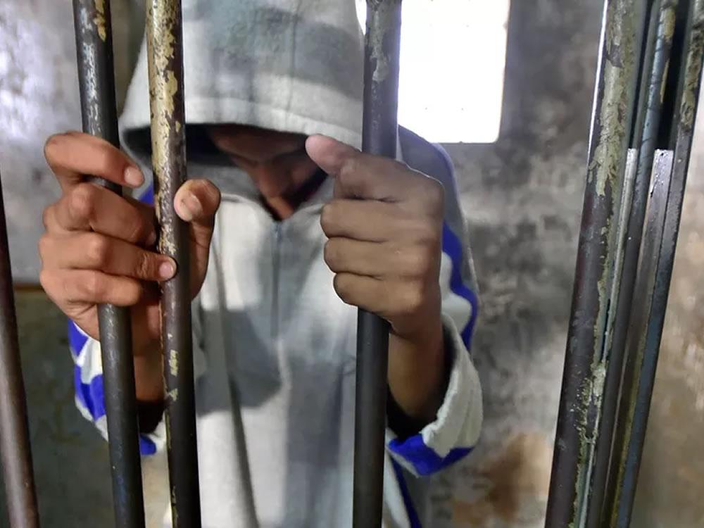 Imagem de Homem furta casa, anuncia produtos na 'Feira do Rolo' e é preso em Rio Verde