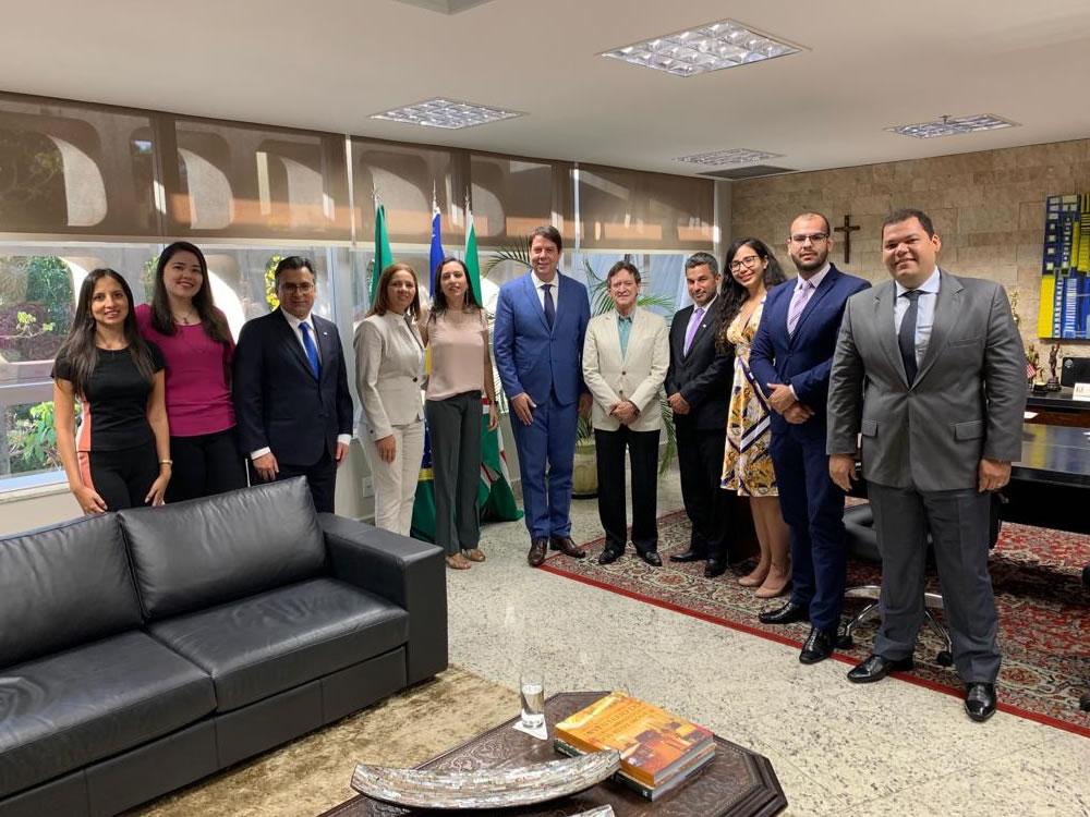 Imagem de Karlos Cabral e OAB requerem efetivação de juiz para nova Vara de Família em Rio Verde