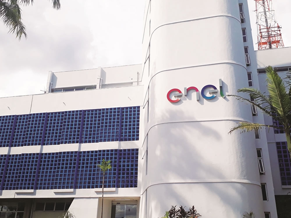 Imagem de Bolsonaro autoriza Caiado a estudar cassação da concessão da Enel