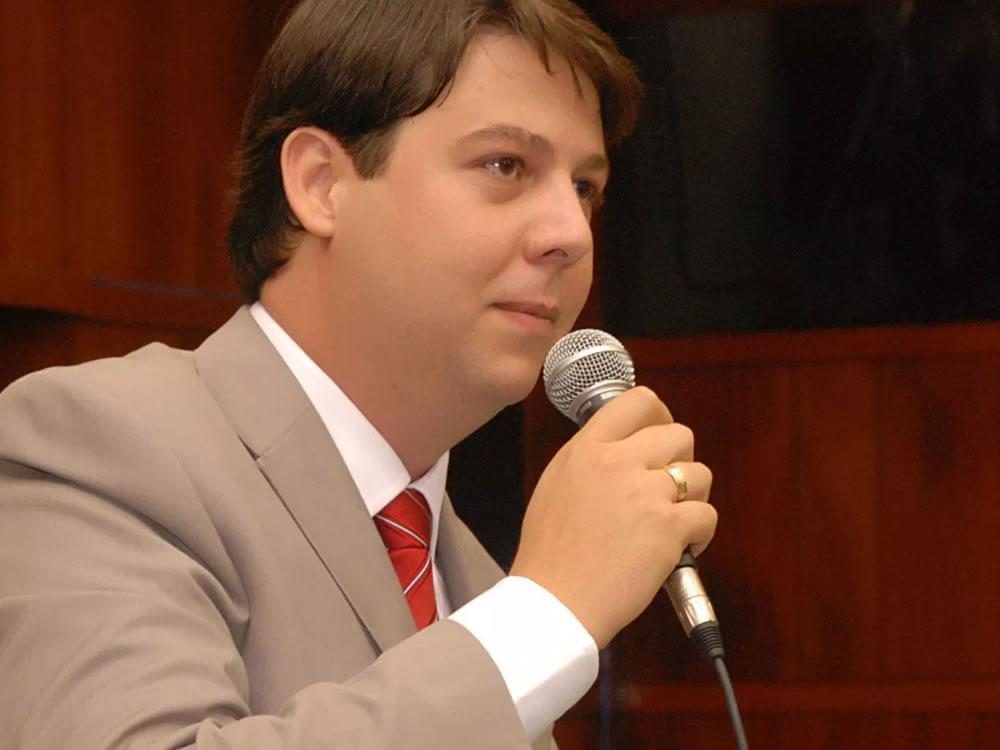 Imagem de Karlos Cabral propõe isentar taxa em concurso público para agentes de proteção da Infância e Juventude