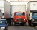Imagem de Caminhões atrapalham o trânsito em Rio Verde