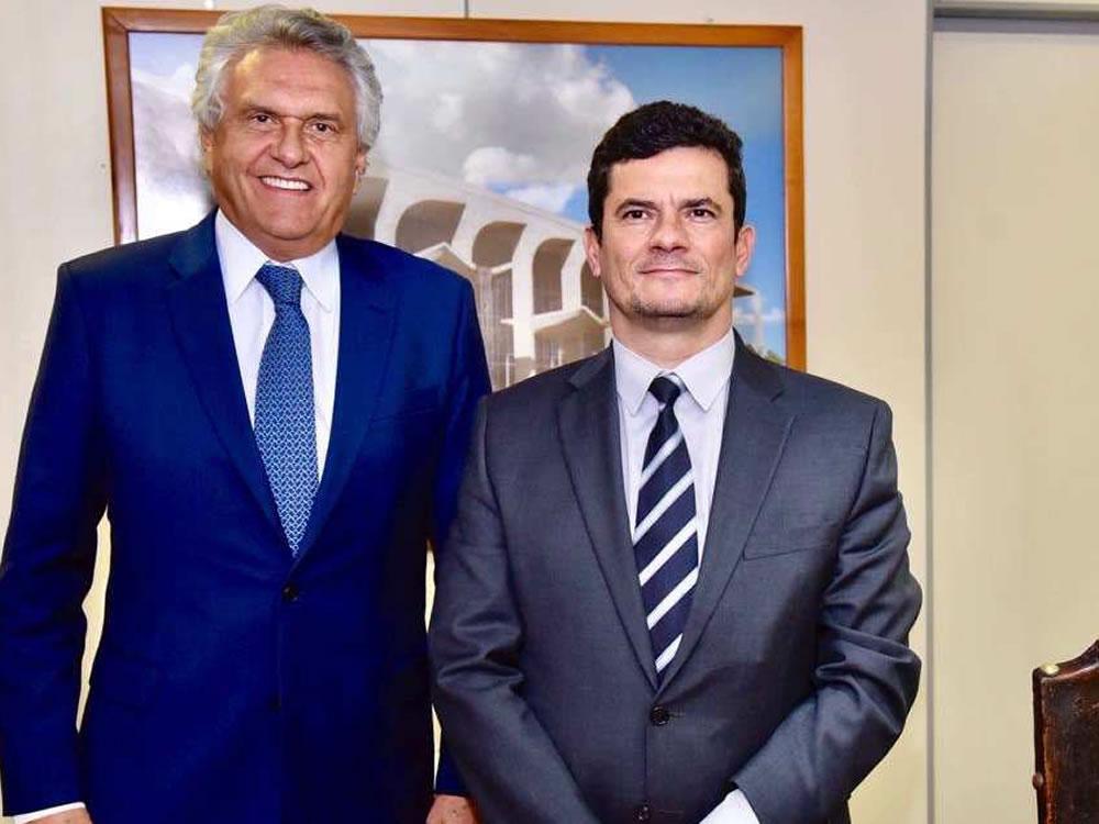 Imagem de Caiado convida Moro para transferir título e disputar eleições por Goiás