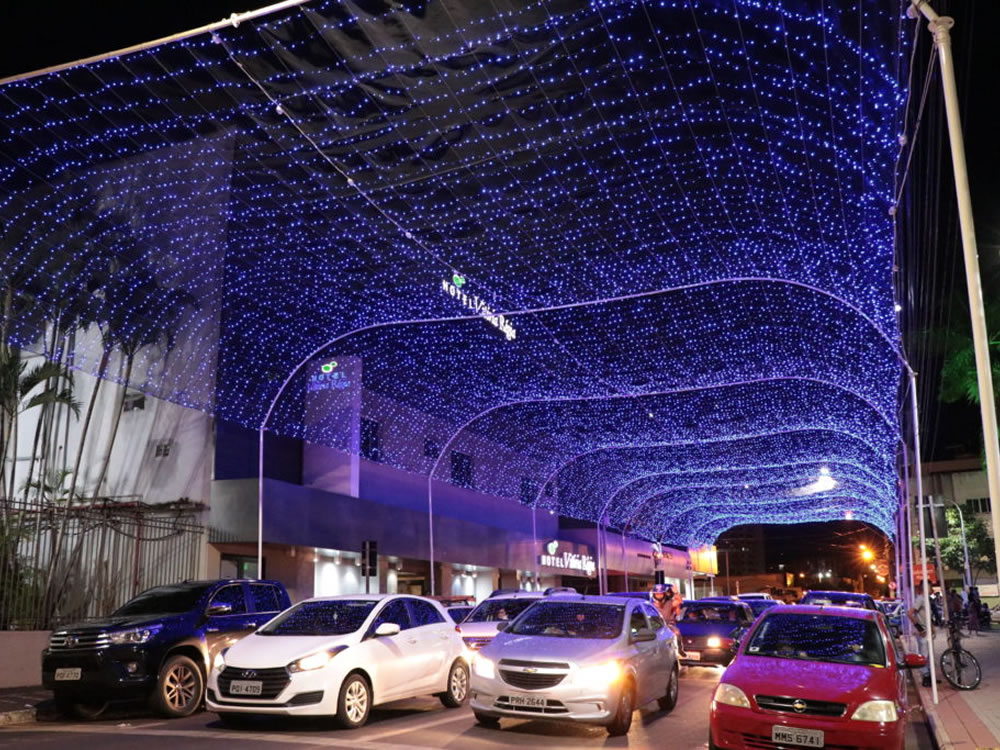 Imagem de Iluminação natalina agrada rio-verdenses