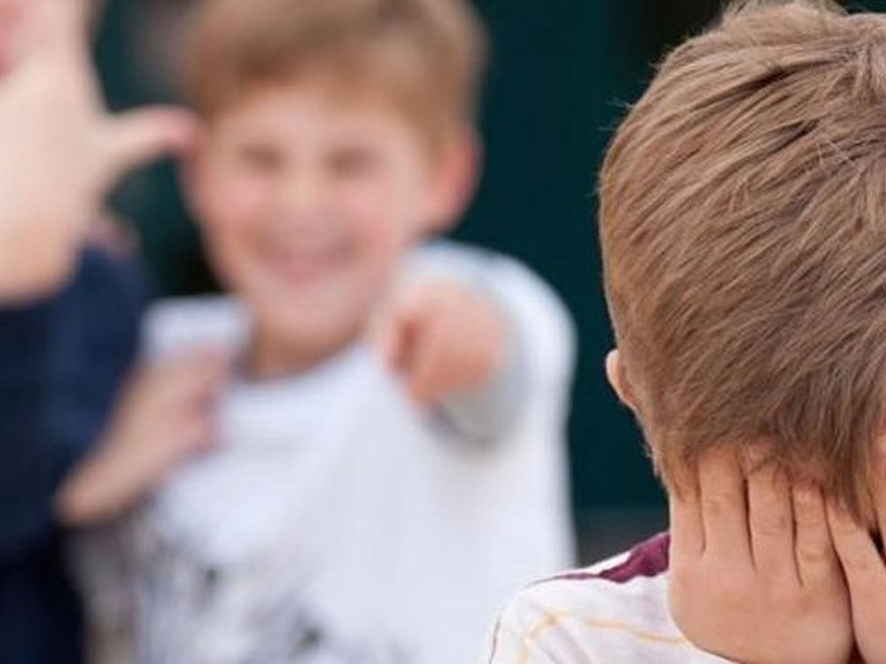 Imagem de Menino de 8 anos tenta suicídio após suposta agressão de colegas e professora em escola de Rio Verde